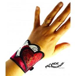 Bracelet coeurs en tissus japonais, velours de soie et cuir noir,bracelet textile,bijou textile,manchette en tissu